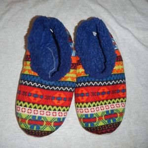 🌲 Snoozies slippers size large